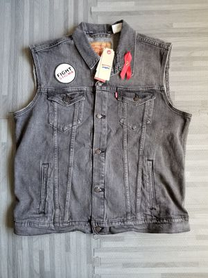 Levi's LGBT Pride Collection Fight Stigma Men's Denim Trucker Vest XL for Sale in San Diego, CA