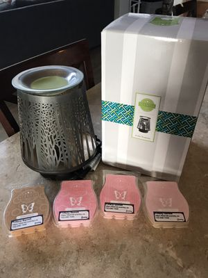 Scentsy warmer and bars for Sale in Aurora, CO