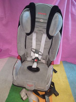 Diono radian RXT car seat. Reinforced side impact system. For children 12 and under. for Sale in Queens, NY