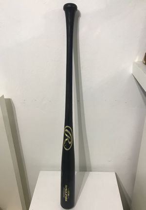 Rawlings Proffesional Wooden Baseball bat. 33 inches. for Sale in Miami, FL