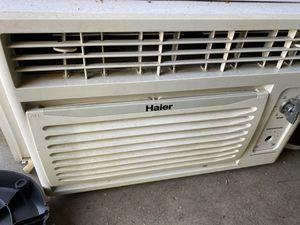 Window air conditioner 5200 BTU for Sale in Cerritos, CA