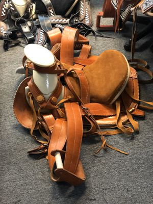 Leather horse saddles 🐎 for Sale in Hacienda Heights, CA