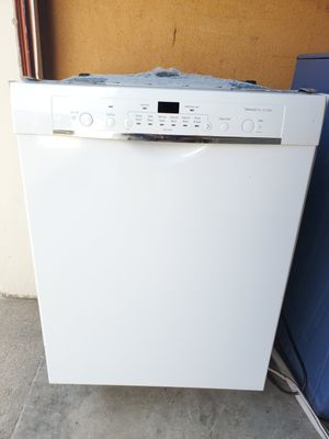 White Bosch like new diswasher good working conditions for Sale in Wheat Ridge, CO