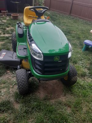Brand new John Deere riding mower for Sale in Levittown, PA