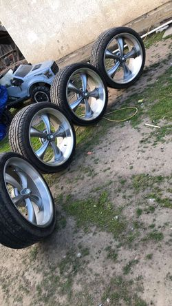 22's Chevy Wheels for Sale in Visalia,  CA