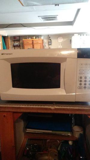 Emerson microwave for Sale in Wichita, KS