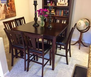 Beautiful Counter Height Dinning Set With 6 Cushioned Chairs for Sale in Carlsbad, CA