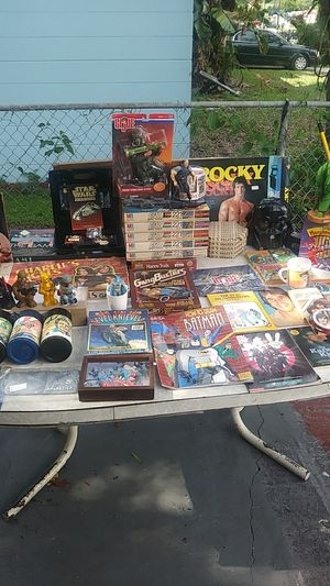 Collectible vintage toys and memorabilia for movies and shows and figures and more for Sale in Tampa, FL