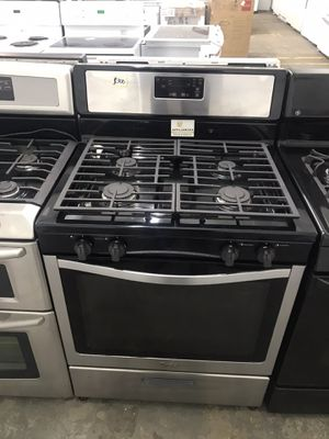 Stainless steel Whirlpool gas range for Sale in Cleveland, OH