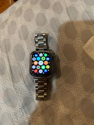 Apple Watch series 5 for Sale in Sparks, NV