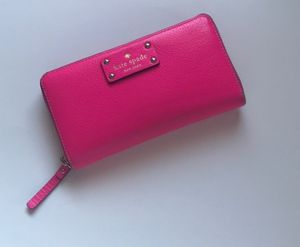 Kate spade pink wallet for Sale in Alexandria, VA