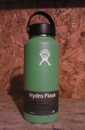 Hydro Flasks - wide variety of sizes and colors for Sale in Portland, OR