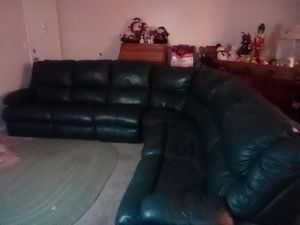 3 PIECE LEATHER SECTIONAL COUCH for Sale in Indio, CA