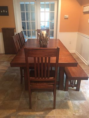 Kitchen Table - Seats 8 for Sale in Bowie, MD