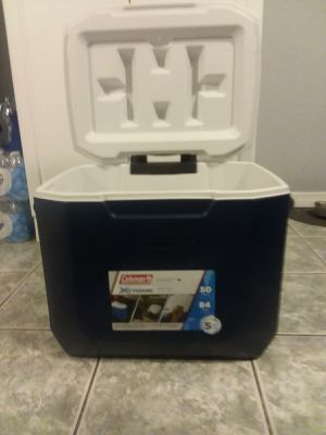 Coleman 50 Quart Xtreme Wheeled Cooler for Sale in Tampa, FL