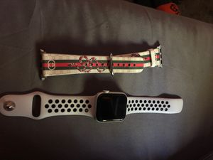 Iwatch series 4 (whit a point in the screen) for Sale in San Jose, CA