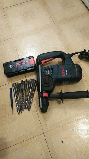"""Bosch hammer chiping drill 1""""1/8 for Sale in Long Beach, CA"""