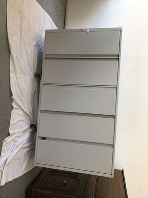 "65"" x 36"" 5-drawer Filing Cabinet for Sale in Chicago, IL"