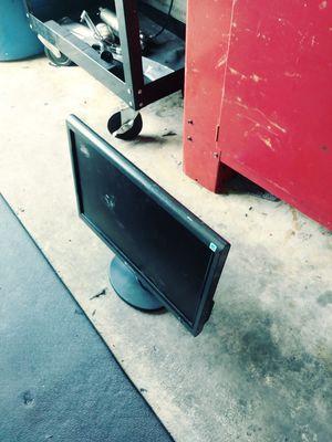 Dell computer monitor for Sale in Avon Park, FL
