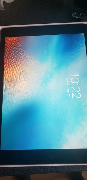 Ipad 8th generation 32 gb for Sale in Baltimore, MD