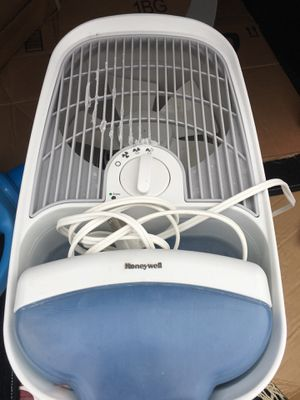 Honeywell Humidifier for Sale in Arlington, VA