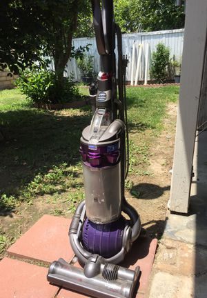 Dyson DC 25 vacuum $45 for Sale in Redlands, CA