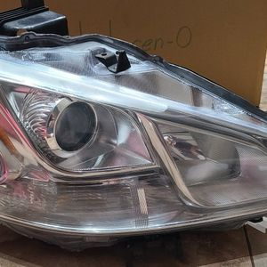 2009-2014 Nissan MAXIMA headlights OEM HID for Sale in Attleboro, MA