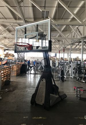 "Spalding 60"" Glass Basketball hoop for Sale in Portland, OR"