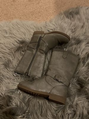 OshKosh Little Girl size 10 Grey Sparkly Boots! for Sale in San Fernando, CA