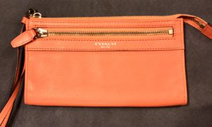 Coach leather wristlet NWOT for Sale in Washington, DC