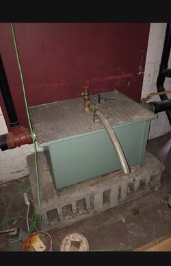 Restaurant grade grease trap for Sale in Pittsburgh,  PA