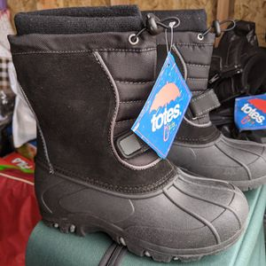 Lots of Brand New Kids Totes Snow/Rain Boots for Sale in Anaheim, CA