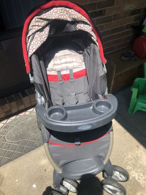 Graco Car Seat/Stroller Combo with Canopy for Sale in Belleville, IL