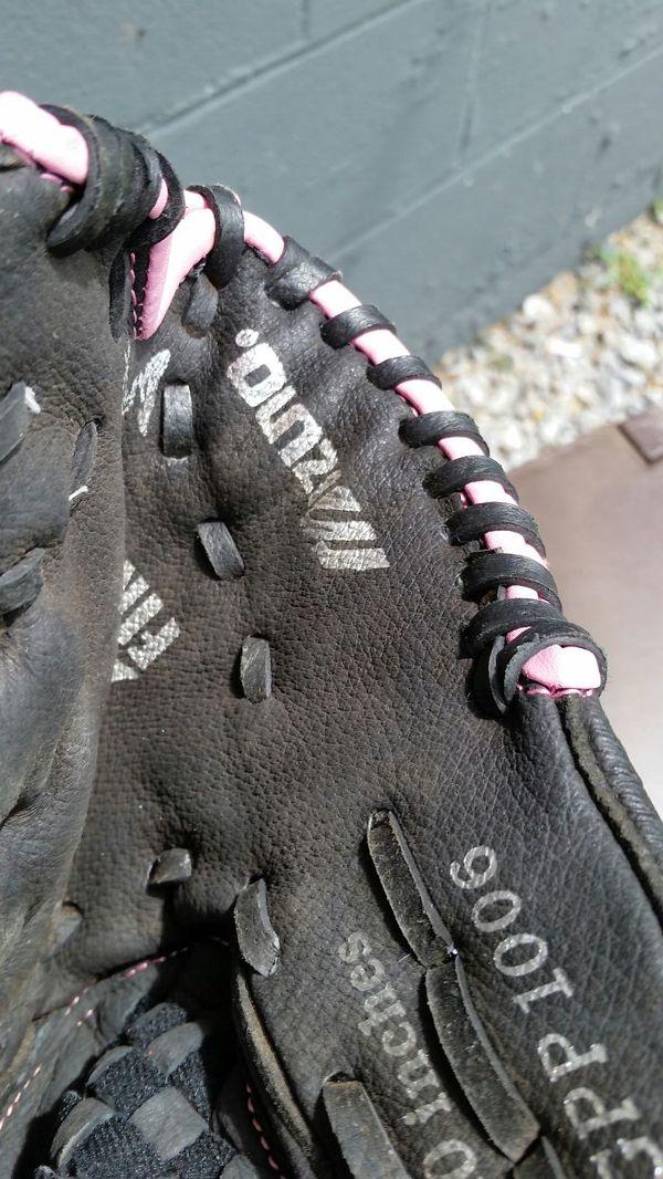 Baseball glove girls