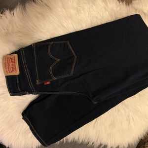 Levi's Jeans 712 for Sale in Highland, CA