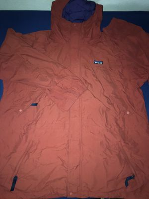 Patagonia Parka Shell jacket coat size XL for Sale in Los Angeles, CA