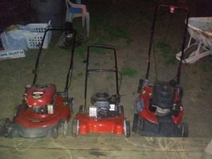 3 lawn mowers all running great no issues buy all 3 for 300$$ package deal for Sale in Austin, TX