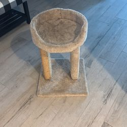 Small Cat Perch And Scratching Post for Sale in Clermont,  FL