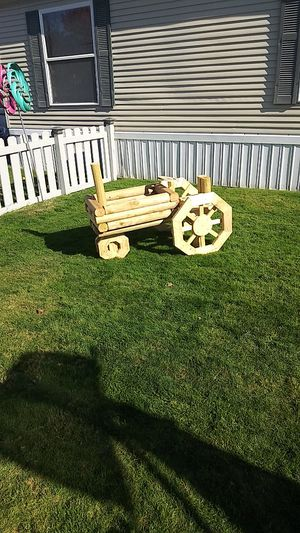 Yard tractor decoration for Sale in Romulus, MI