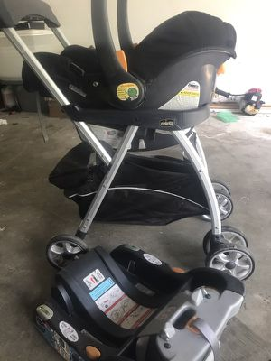 Stroller car seat and base for Sale in Brandon, MS