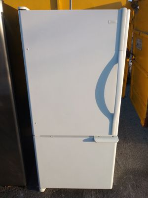 Small kenmore refrigerator/3 Month warranty and free local delivery for Sale in San Fernando, CA