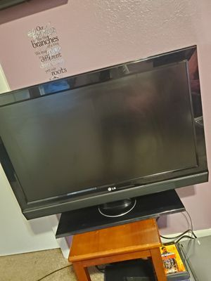 "LG TV 32""inches for Sale in Kent, WA"