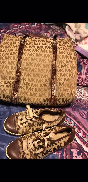 Michael kors purse & matching shoes for Sale in Pasadena, TX