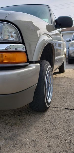 2000 chevy s10 ls for Sale in Hammond, IN