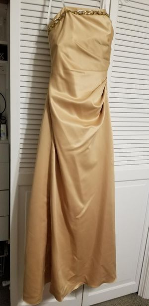 Gold prom dress size 3/4 for Sale in Riverside, CA