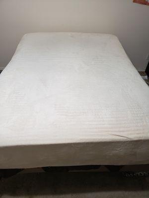 Queen size mattress for Sale in Sanger, CA
