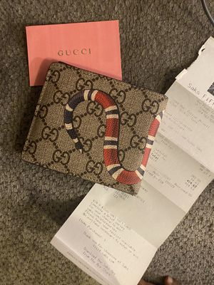 Men Gucci Wallet for Sale in Creve Coeur, MO