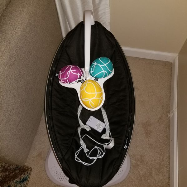 4 moms mamaroo swing