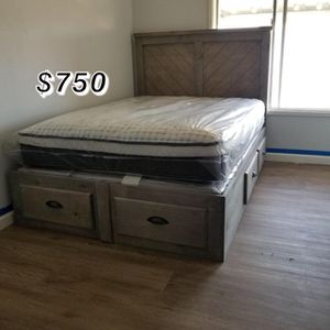 QUEEN BED FRAME WITH MATTRESS INCLUDED for Sale in Long Beach, CA