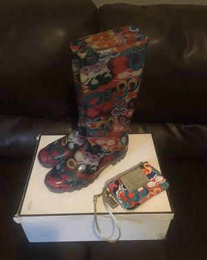 Coach rain boots & wristlet set for Sale in Scarsdale, NY